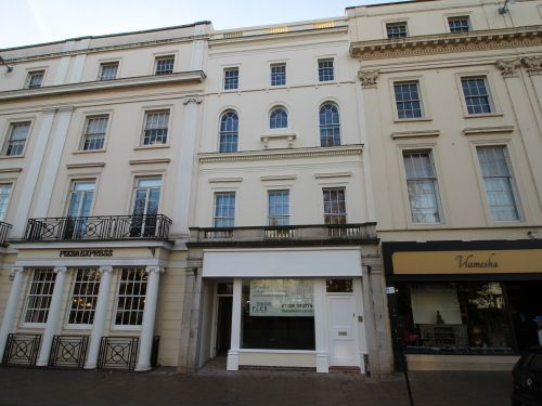 Thumbnail Town house to rent in Parade, Leamington Spa