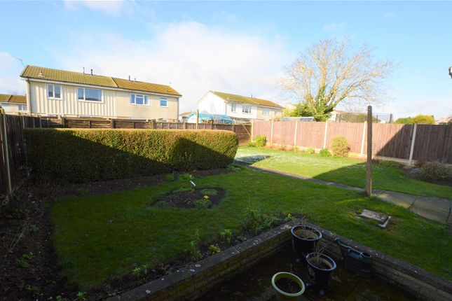 Garden of St. Marys Crescent, East Leake, Loughborough LE12