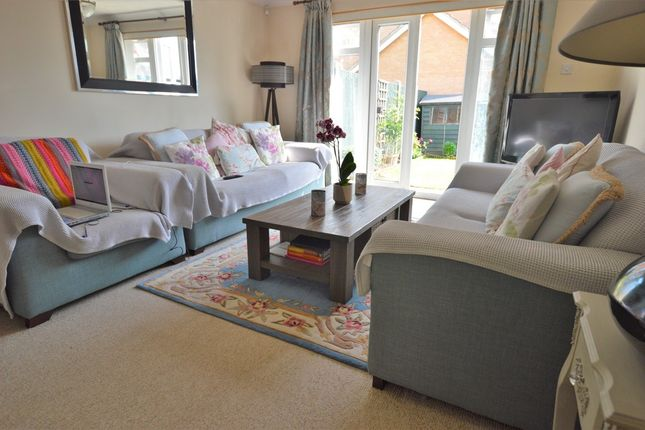 Thumbnail Semi-detached house to rent in Two Mile Drive, Cippenham, Slough
