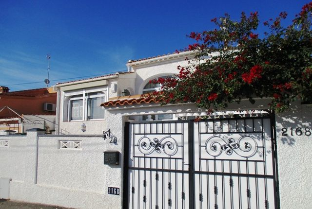 2 bed villa for sale in Urbanización La Marina, Costa Blanca South, Costa Blanca, Valencia, Spain