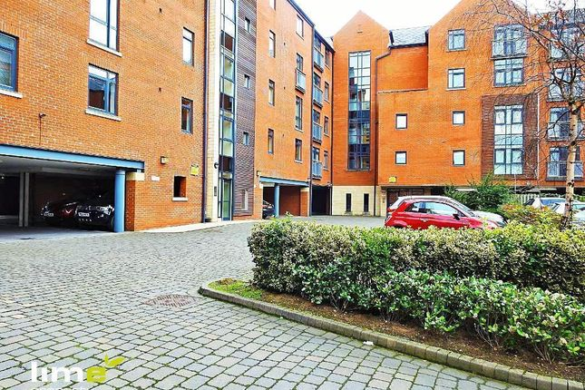 Thumbnail Flat to rent in Trinity Wharf, High Street, Hull