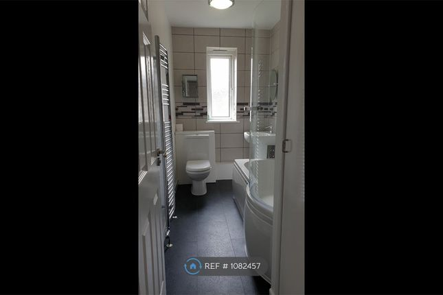 3 bed flat to rent in Dunholm Road, Dundee DD2
