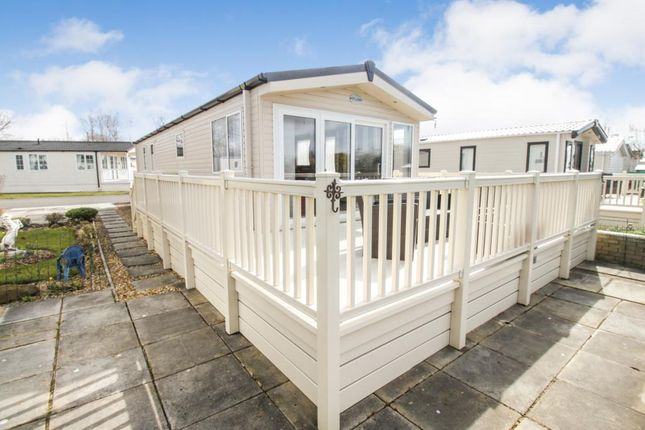 Thumbnail Mobile/park home for sale in Riverside Leisure Centre, Rivers View, Banks, Southport
