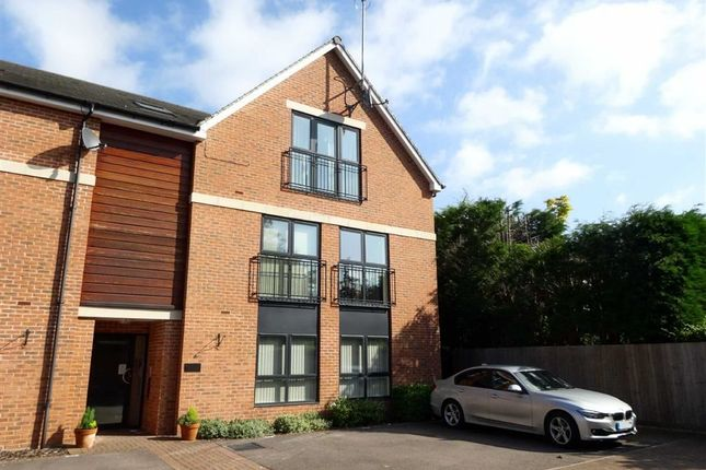 Thumbnail Flat to rent in Auckland Place, Duffield, Belper