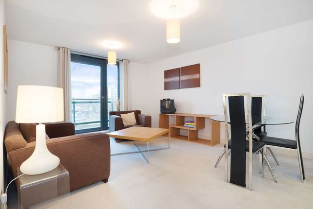 1 bed flat to rent in Eluna Building, Wapping Lane, London E1W