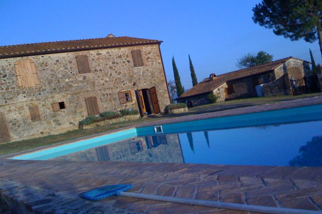 6 bed farmhouse for sale in Strada di Petriol, Grosseto, Tuscany, Italy