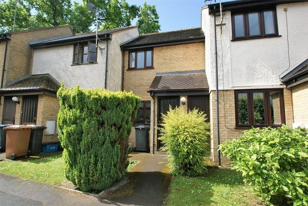 Thumbnail Terraced house to rent in Bentley Close, Bishop's Stortford