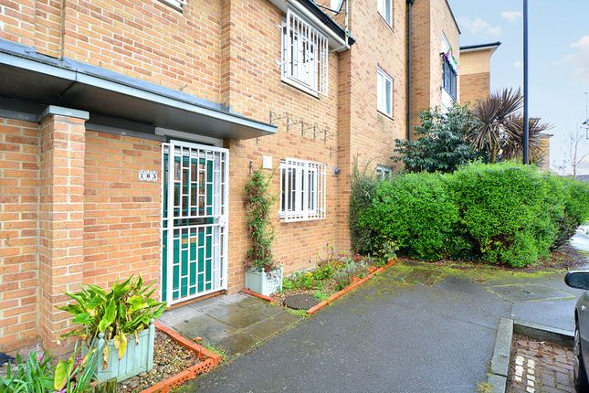 Thumbnail Terraced house for sale in Buxhall Crescent, London