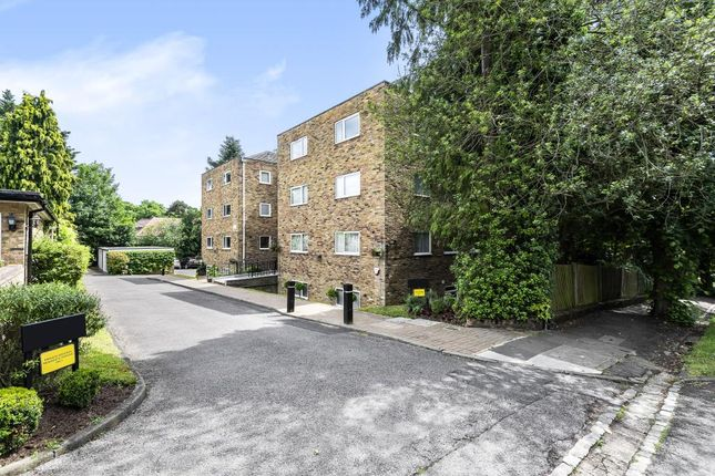 Thumbnail Flat to rent in Northwood, Middlesex