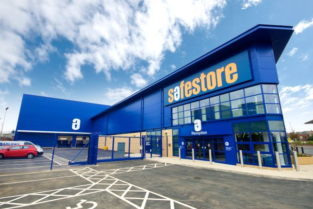 Thumbnail Warehouse to let in Safestore Self Storage, London Road, Staines