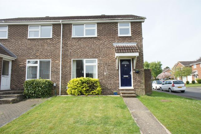 Thumbnail Semi-detached house for sale in Girons Close, Hitchin