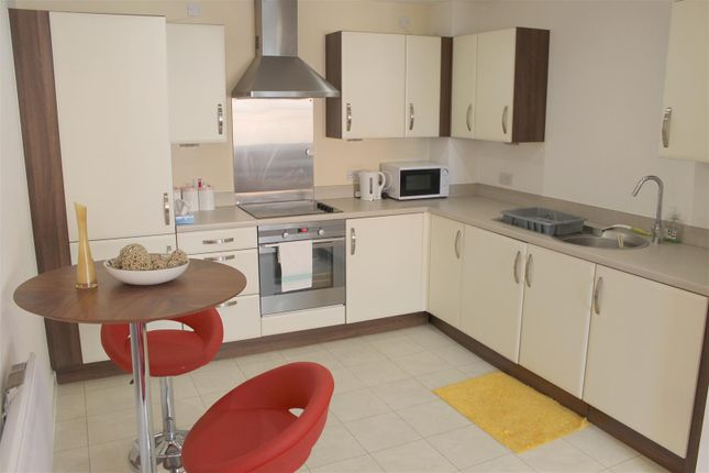 Thumbnail Flat for sale in Quayside, Bute Crescent, Cardiff Bay