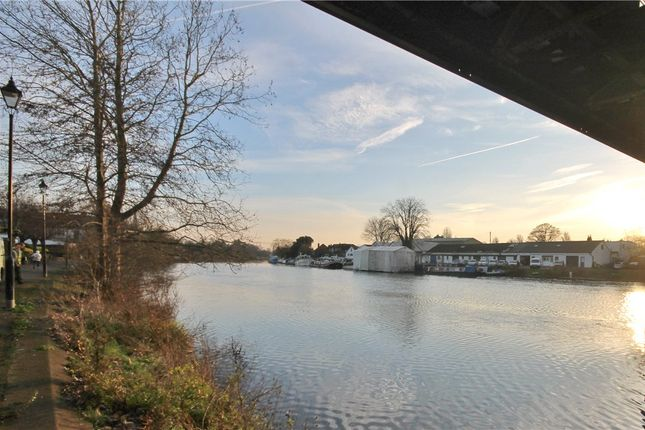 River of Laleham Road, Staines-Upon-Thames, Surrey TW18