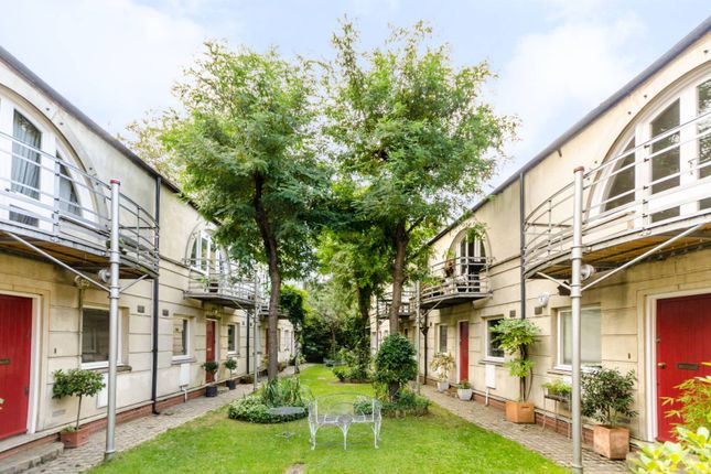 Thumbnail Property for sale in Hawksmoor Mews, Shadwell