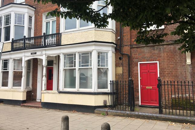 Maisonette to rent in North Street, Leighton Buzzard LU7