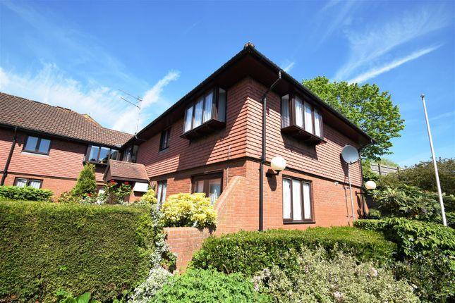 Thumbnail Flat for sale in Lakewood Road, Westbury-On-Trym, Bristol