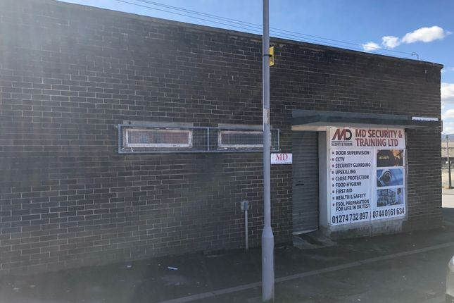 Retail premises to let in Tickhill Centre, Bradford