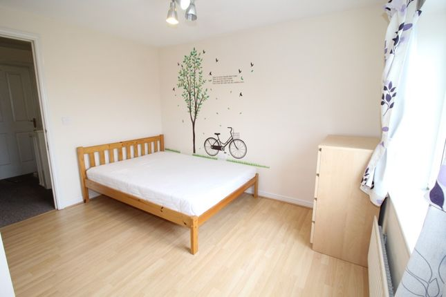 Thumbnail Town house to rent in Stockport Road, Longsight, Manchester
