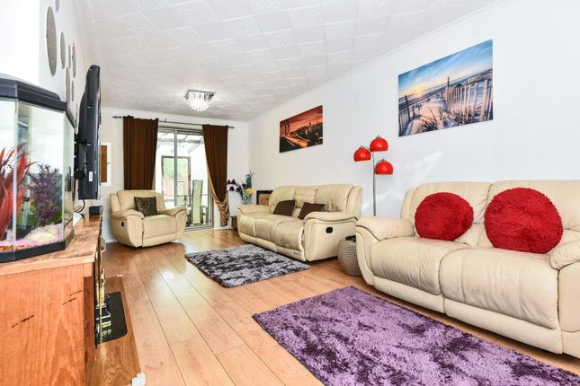 Thumbnail Terraced house to rent in Lydsey Close, Slough