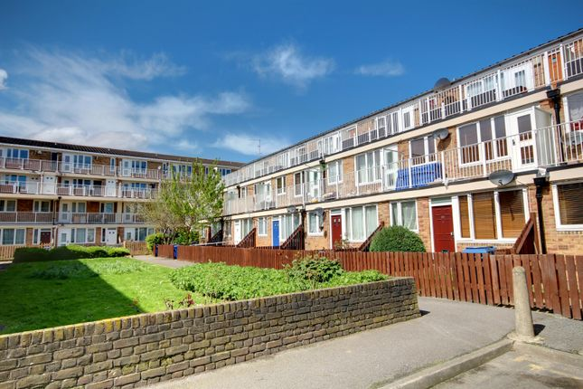 Thumbnail Flat to rent in Woolstaplers Way, London