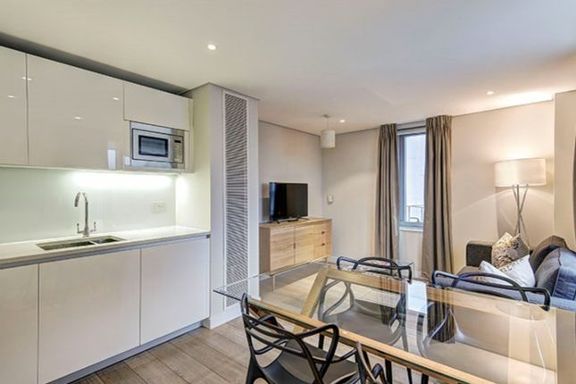 Flat to rent in Merchant Square East, London