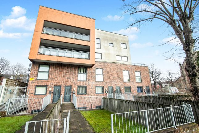 4 bed flat to rent in Wilbraham Road, Manchester M14
