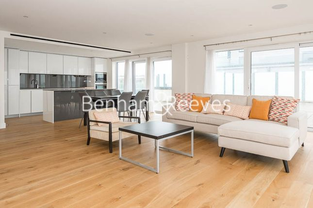 Thumbnail Flat to rent in East Drive, Colindale