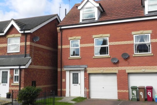 Thumbnail Semi-detached house to rent in Birch Drive, Scunthorpe