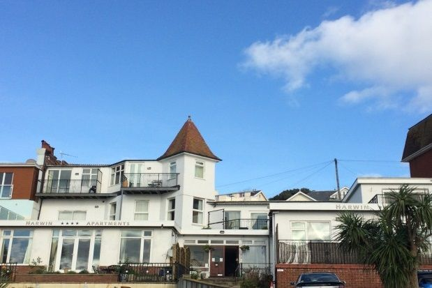 2 bed flat to rent in Alta Vista Road, Paignton