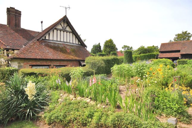 Picture No. 38 of Horsted Lane, Sharpthorne, Sussex RH19