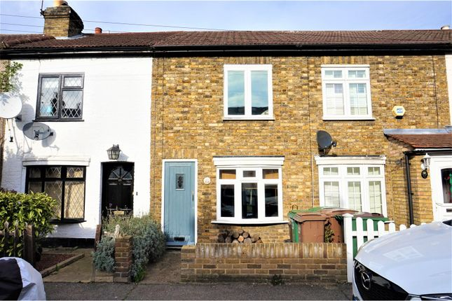 Thumbnail Cottage for sale in Richmond Road, Croydon