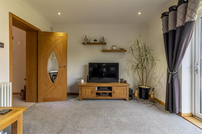 Lounge 2 of Wood View, Woodside, Grays RM16