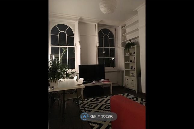 Thumbnail Flat to rent in Campberwell Grove, London