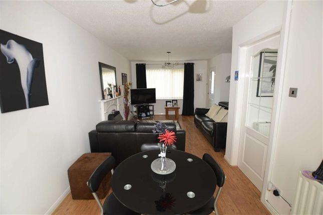 Lounge of Sidmouth Street, Newland Avenue, Hull HU5