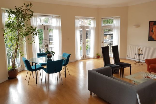 Thumbnail Flat to rent in Doughty Street, London