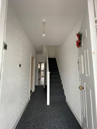 Thumbnail Terraced house to rent in Newham Way, London