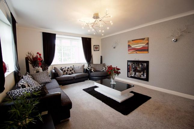 Thumbnail Detached house for sale in Wayside Drive, Oadby, Leicester