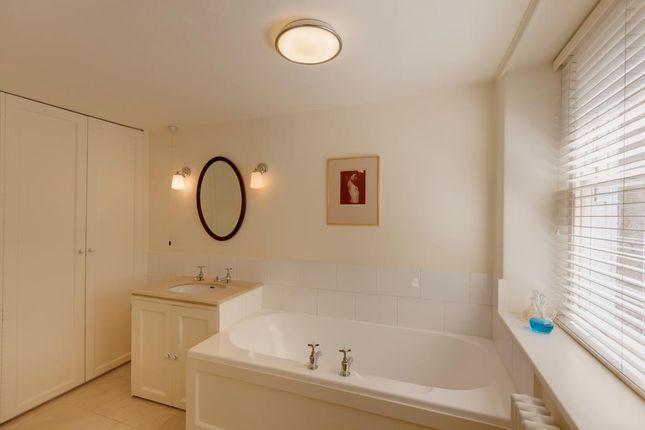 En-Suite of High Street, Dronfield S18