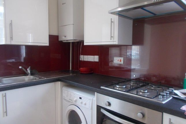 Thumbnail Flat to rent in Hawkeswood Road, Southampton