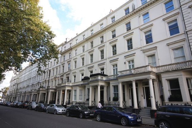 3 bed flat for sale in Stanhope Gardens, London