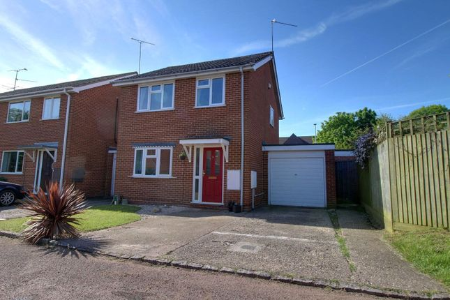 3 bed link-detached house for sale in Harwich Close, Lower Earley, Reading, Berkshire