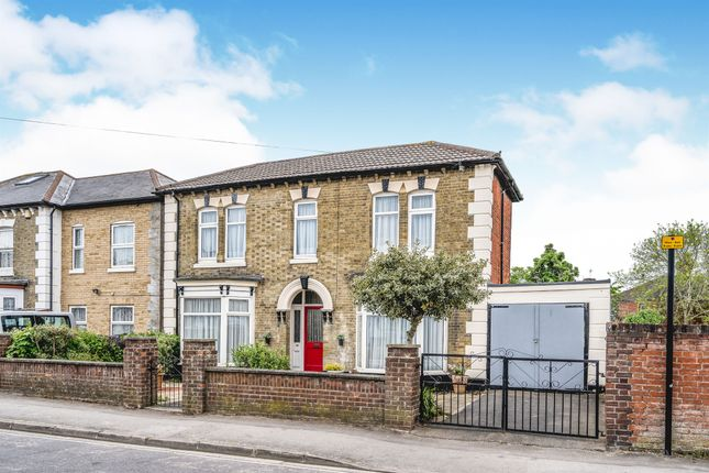 Thumbnail Detached house for sale in Alexandra Road, Shirley, Southampton