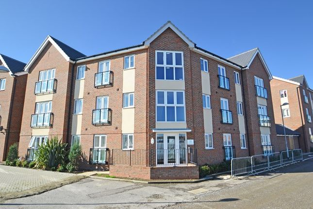Thumbnail Flat to rent in Poplar House, Dahlia Walk, Minster On Sea.