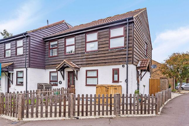 Thumbnail Property for sale in Rumsey Close, Hampton