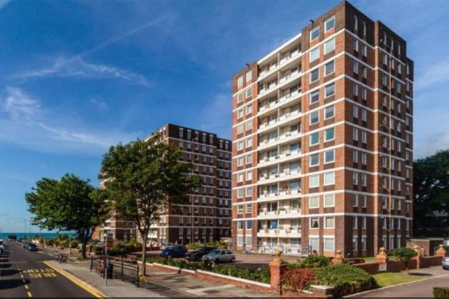 Thumbnail Flat for sale in Warnham Court, Grand Avenue, Hove, East Sussex