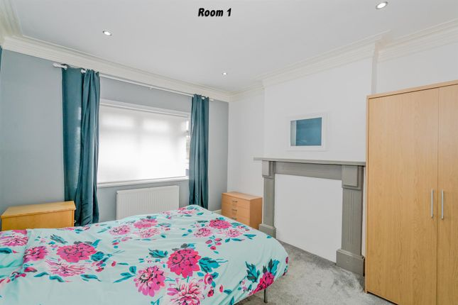 Thumbnail Flat to rent in Station Road, Hednesford, Cannock