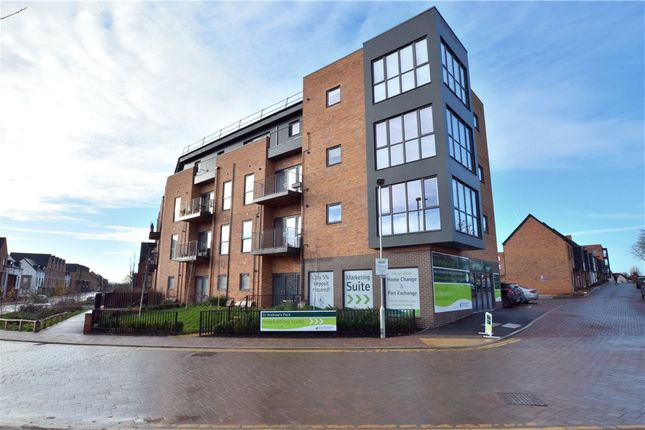 Thumbnail Flat for sale in Dyson Drive, Uxbridge