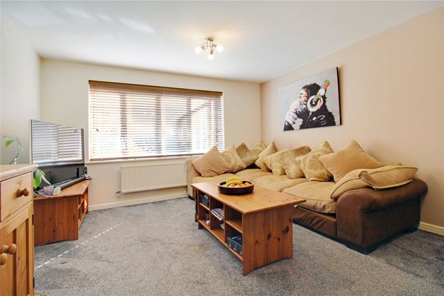 Flat for sale in Redhouse Way, Swindon, Wiltshire