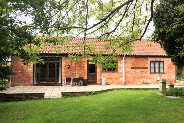 Thumbnail Barn conversion to rent in Woodlands Farm, Yarmouth Road