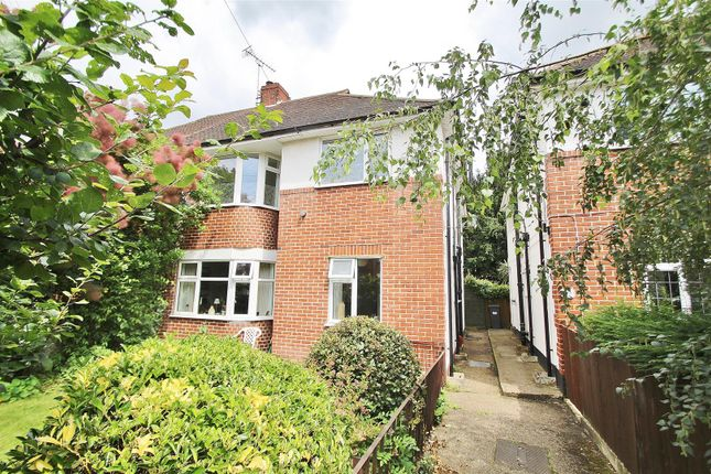 Maisonette to rent in St. Johns Road, Isleworth